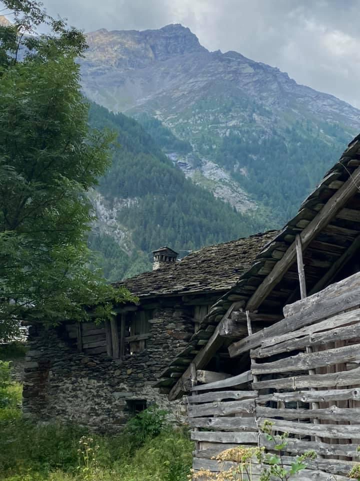 Frassinay een dorpje in valey d'Aosta
