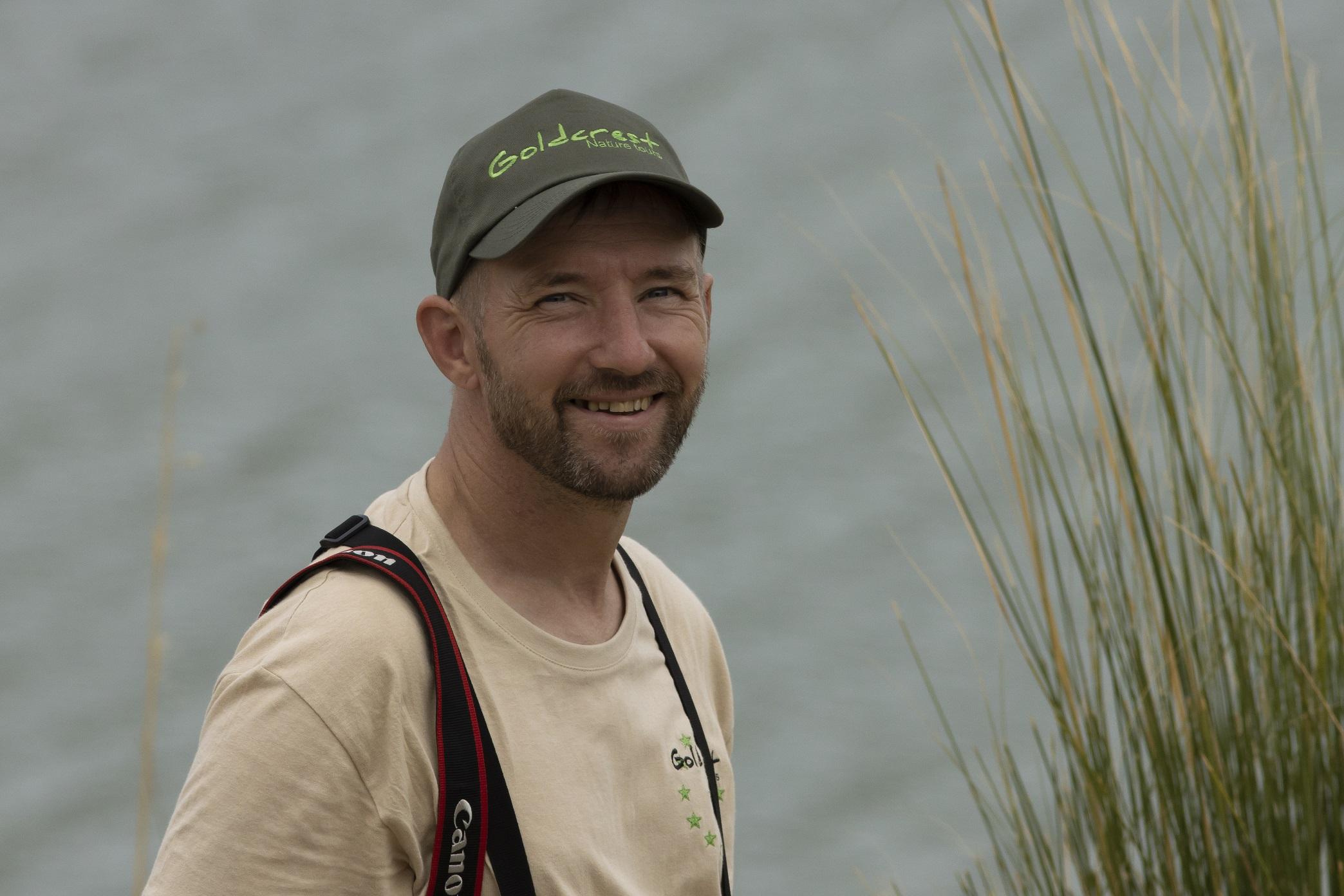 Chris de Nooijer Eigenaar en natuurgids van Goldcrest Nature Tours
